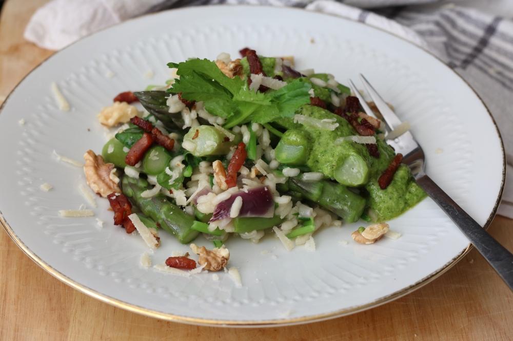 risotto groene asperges en raapstelenpesto